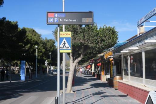 Los paneles informativos sobre la ocupación de los aparcamientos de Santa Ponça ya están en marcha.