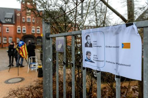 La Fiscalía General de Schleswig-Holstein solicita la extradición del ex presidente catalán Carles Puigdemont.