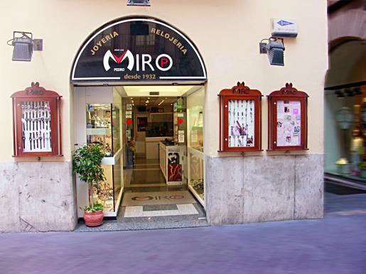 Cuenta con cuatro tiendas en Palma y otra en Inca, para la comodidad de su clientela.
