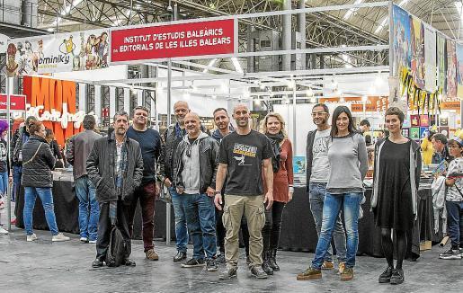 Técnicos del Illenc con Francesc Rotger, editores y autores de Baleares.