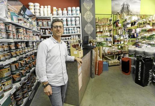 José Antonio Ribas asumió las riendas del negocio en los años 80 y en 2009 optó por abrir su primera tienda. En la actualidad tienen dos y estudian seguir expandiéndose.
