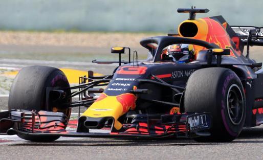 El piloto de Red Bull Daniel Ricciardo en acción durante la carrera.