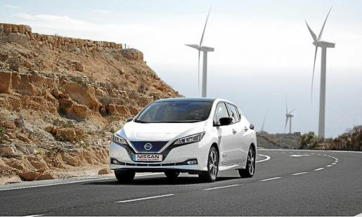 El nuevo Nissan Leaf, con una batería mejorada de 40kWh, puede hacer 378 km con una sola carga.