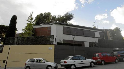 Vista de la fachada de la que era la casa de los duques de Palma en el barrio barcelonés de Pedralbes.