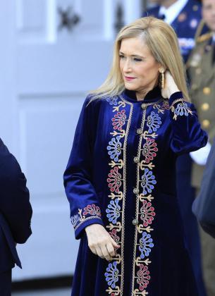 La presidenta de la Comunidad de Madrid Cristina Cifuentes, durante la recepción en el Palacio Real al presidente de Portugal, Marcelo Rebelo de Sousa.
