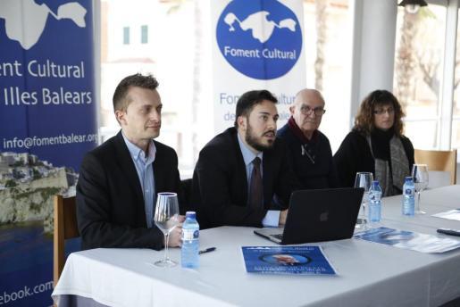Joan Pons (2i) lleva la Fundación Jaume III al centro de la polémica.
