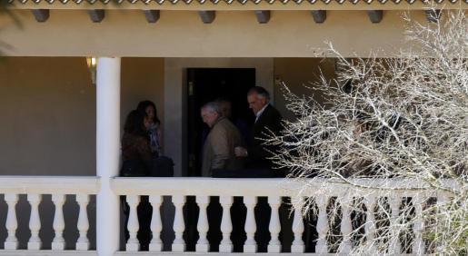 Un momento de la reconstrucción del asalto a la vivienda del jubilado de Porreres.