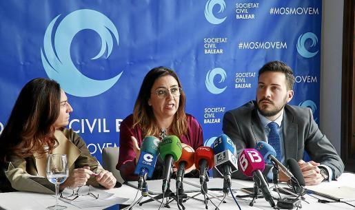 Pons, en una rueda de prensa sobre el movimiento contrario al requisito del catalán en la sanidad.