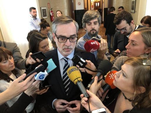 El secretario general de Ciudadanos ha hecho declaraciones en relación a la carta remitida por la presidenta madrileña al rector de la Rey Juan Carlos.