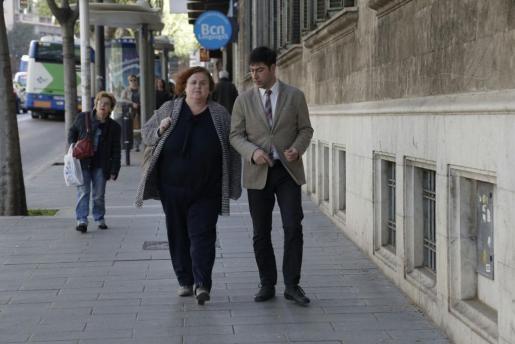 La exconsellera Ruth Mateu, a su llegada a los juzgados.