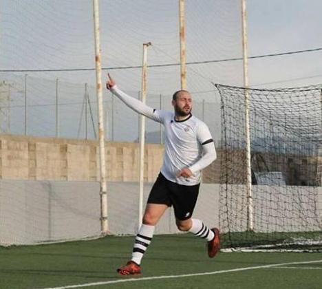 El jugador del Rotlet Molinar que mordió a un rival ha sido detenido y tras prestar declaración ha quedado en libertad con cargos.