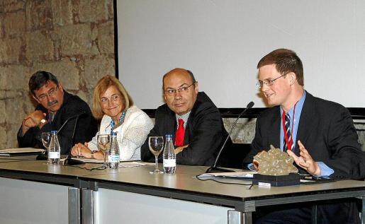 Ramis, Casas, García y Groenemeijer, en la sesión inagural de la conferencia abierta ayer en Palma. Fotos: J. MOREY