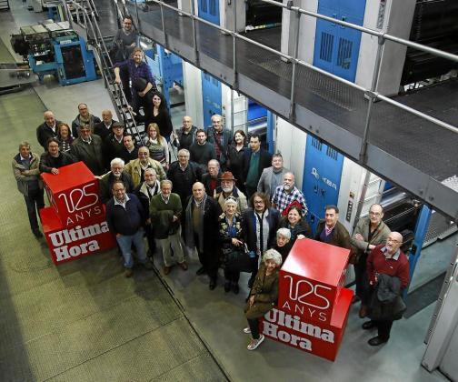 Un total de 36 escritores asistieron al tradicional encuentro previo a Sant Jordi.