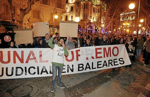 Vicente Campaner, junto a más de 500 personas, pidió el cese de Subirán y Penalva.