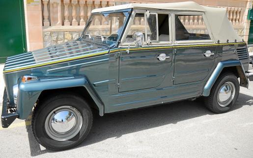 Alex Oliver aprecia mucho este Volkswagen 181 Kübel de 1972 que perteneció a su abuelo