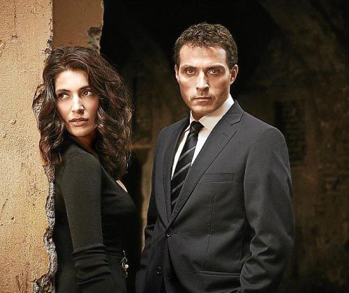 Rufus Sewell y Caterina Murino protagonizan la serie rodada en Roma.