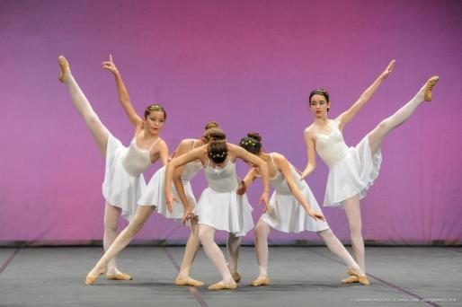 Imagen de los alumnos de la Escuela de Ballet Emmanuela Torrres.