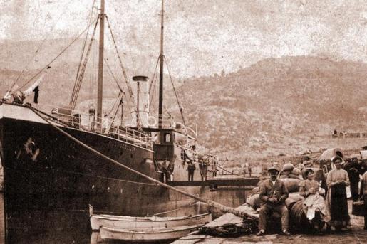 A finales del siglo XIX Mallorca tenía conexiones con los mercados internacionales.El puerto de Sóller era famoso por la exportación de cítricos a Marsella y Sète, que después se distribuían por Francia y Europa Central.
