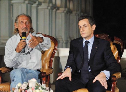 El cooperante francés Pierre Camatte recibió en Bamako la visita del presidente Sarkozy.