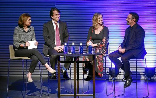Paula Serra moderó el coloquio sobre el mercado asiático en el que participaron Alfonso Ballesteros, María Zarraluqui y Pep Vich.