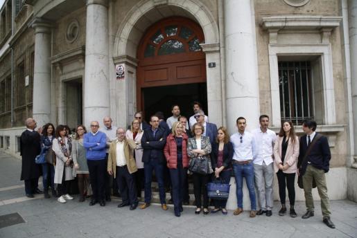 Jueces y fiscales de Baleares se han concentrado este jueves en los distintos partidos judiciales de las Islas para reivindicar que se garantice la independencia judicial, la mejora de sus condiciones laborales y la organización de la plantilla.