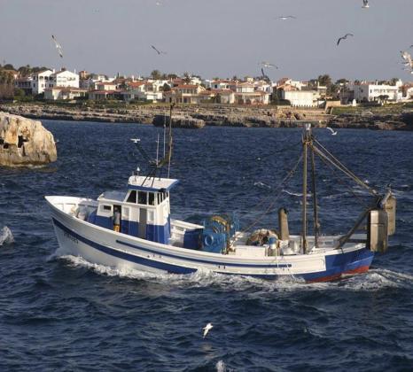 Imagen de un barco de pesca de arrastre.