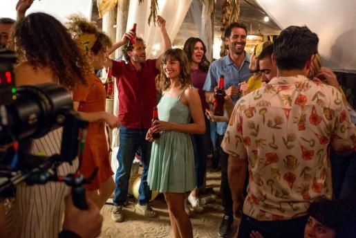 Michelle Jenner protagoniza el nuevo anuncio que Estrella Damm està rodando en Formentera.