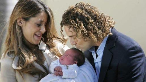 El cantante David Bisbal y Elena Tablada, con su hija Ella.