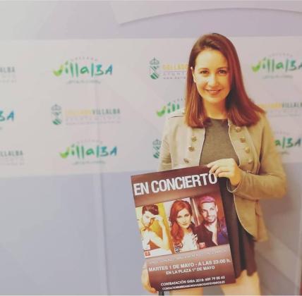 Mireia Montávez promocionando uno de sus conciertos.