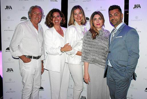 Salvador de Pablo, Arantxa Galarraga, Isabel Hernández, Plácida Mariño y el director de Paradigm, Bahman Ked.