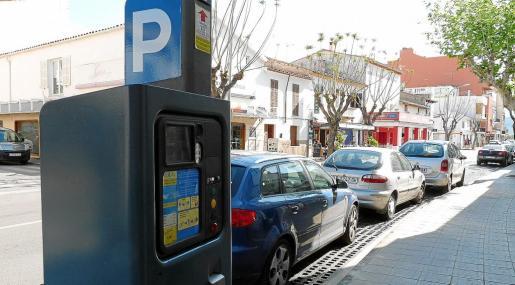 Máquina de la ORA situada en una calle de la zona azul municipal que funcionaba habitualmente entre mayo y octubre.