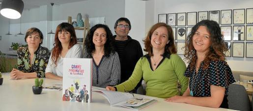 Flavia Gargiulo, Beatriz Colom, Margalida Vinyes, Sebastià Marí, Eva Barceló y Nívola Uyà, en Ciutat.