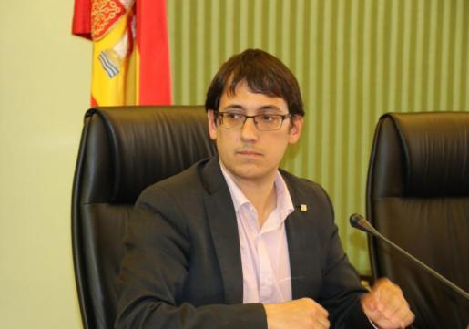 El conseller Iago Negueruela durante su entervención este jueves en el Parlament.