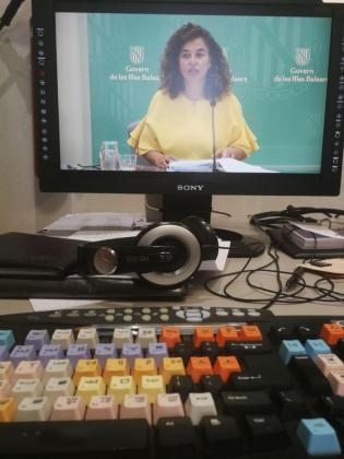 Pilar Costa durante su intervención ante los medios tras la reunión del Consell de Govern.