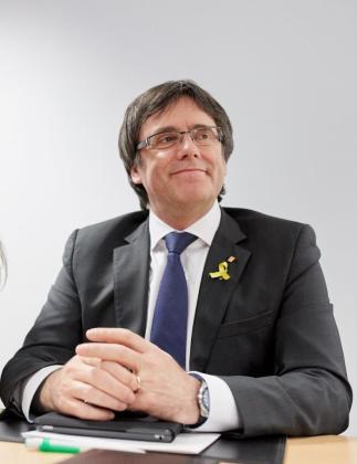 El expresidente de la Generalitat de Cataluña Carles Puigdemont, durante la reunión en Berlín con la práctica totalidad de los diputados de JxCat.