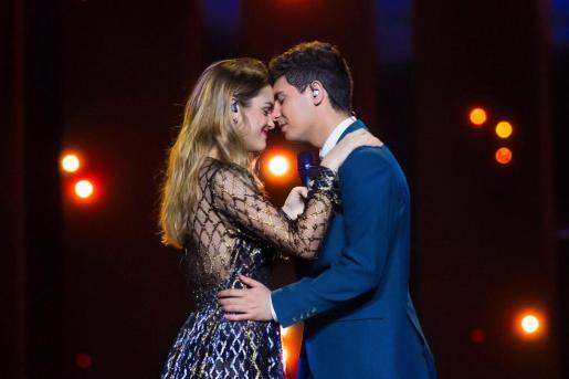 Fotografía faciltada por RTVE, de Amaia y Alfred, los representantes españoles de Eurovisión, durante su segundo ensayo.