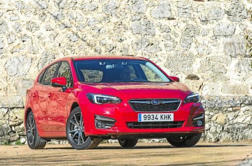 El nuevo Subaru Impreza llega ahora a nuestro mercado. Desde el lanzamiento de su primera generación en 1992, el modelo ha sido un claro exponente de las cualidades dinámicas que han hecho de Subaru una marca única por su filosofía de hacer vehículos seguros, divertidos y resistentes
