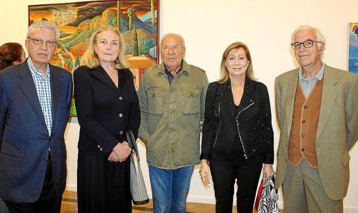 Gudi Moragues con los coleccionistas Juan Oliver Mateu, Catherine Vicenç, Pep Piña y Gabriel Barceló.