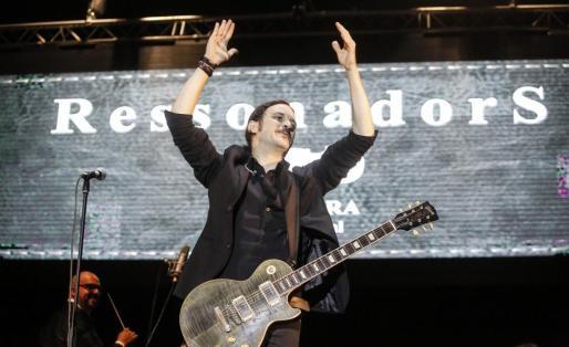 El músico Joan Barbé, la mitad del proyecto Ressonadors, al inicio del concierto celebrado el sábado.