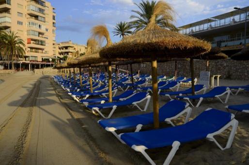 La playa de Cala Estancia ha obtenido una bandera azul.