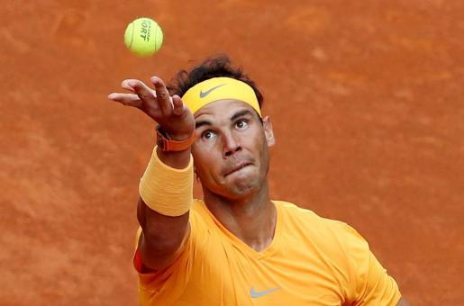 Rafa Nadal arrolla a Monfils en su estreno en Madrid