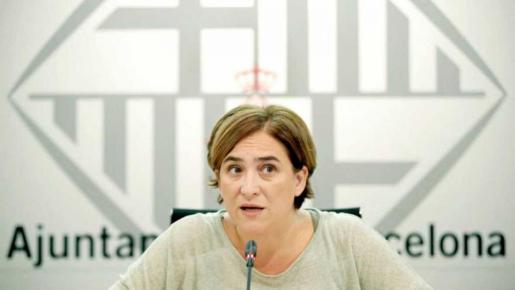 En opinión de la alcaldesa de Barcelona, algunos comentarios de Quim Torra lo invalidan para ser presidente de todos los catalanes.