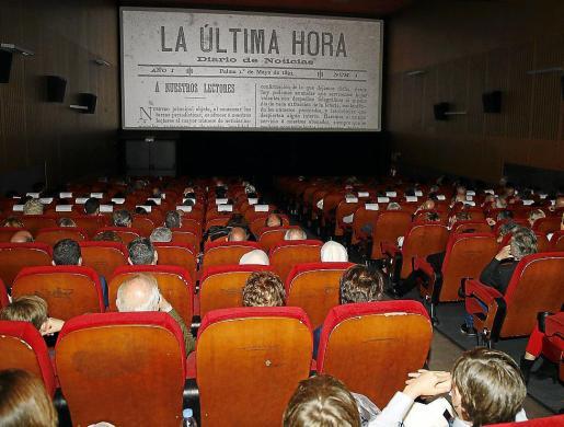 """Los más de 400 invitados al estreno del documental """"125 años de historias"""" llenaron dos salas del Augusta."""