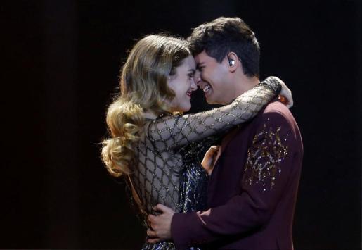 Amaia y Alfred durante su actuación.