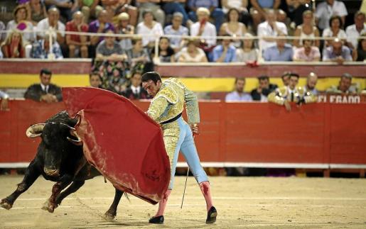El apoyo a la prohibición de las corridas de toros es mayoritario, pero no llega a la mitad de la población. El 48 por ciento de los ciudadanos apoya la medida aprobada por el Parlament balear, pero un 39 por ciento se opone a esta prohibición.