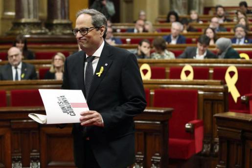 Quim Torra, se dispone a iniciar su intervención ante el pleno del Parlament, donde se celebra la segunda sesión del debate de investidura.