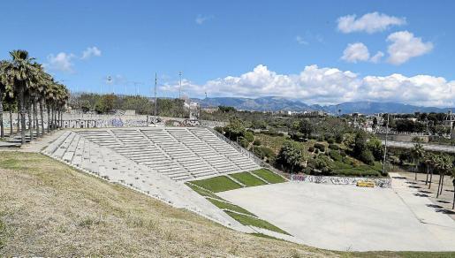 Imagen del anfiteatro al aire libre ubicado en el Parc de sa Riera.