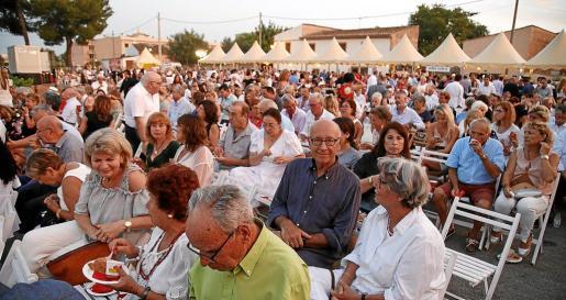 Numeroso público se suma cada año a una de las mayores citas solidarias y musicales del verano mallorquín.