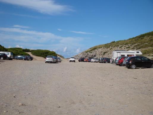 El Ajuntament colocará una cadena en la carretera justo antes de el lecho del torrente con el propósito de proteger las dunas.