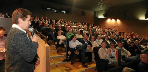 La presidenta del Grup Serra, Carme Serra, agradeció a suscriptores y lectores la confianza en el periódico.